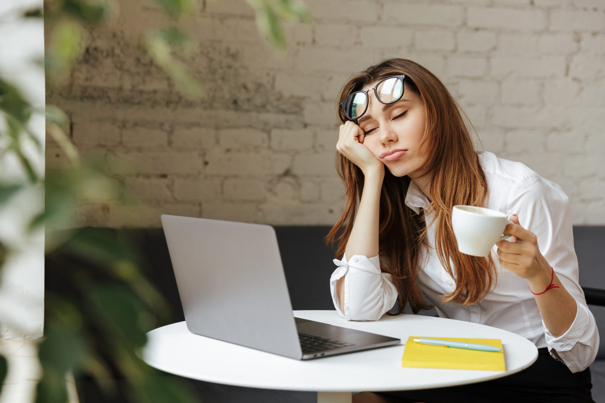 Dr. Sharona Dayan On Why We Wake Up Feeling Tired